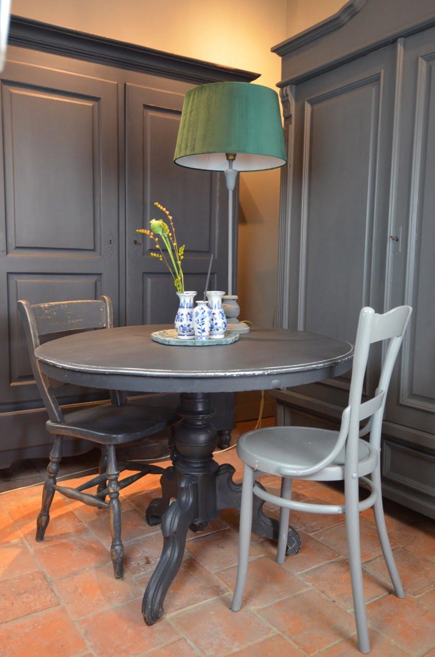 Vintage Ronde Eettafel.Biedermeier Tafel