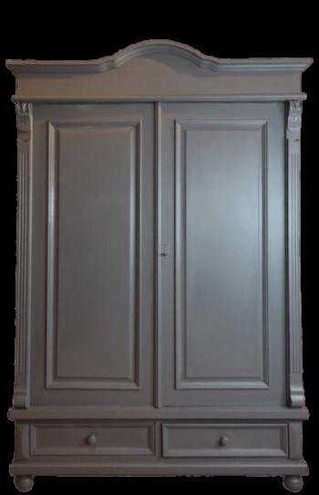 grote-grijze-kast-linnenkast-