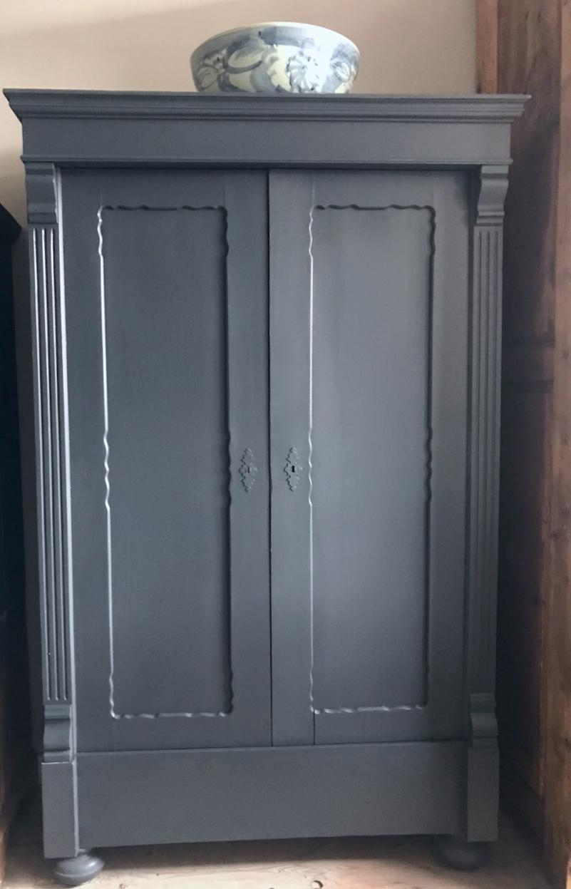 vintage kledingkast off black - 1