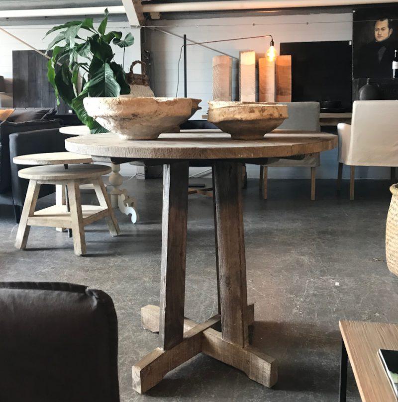 houten wijntafel